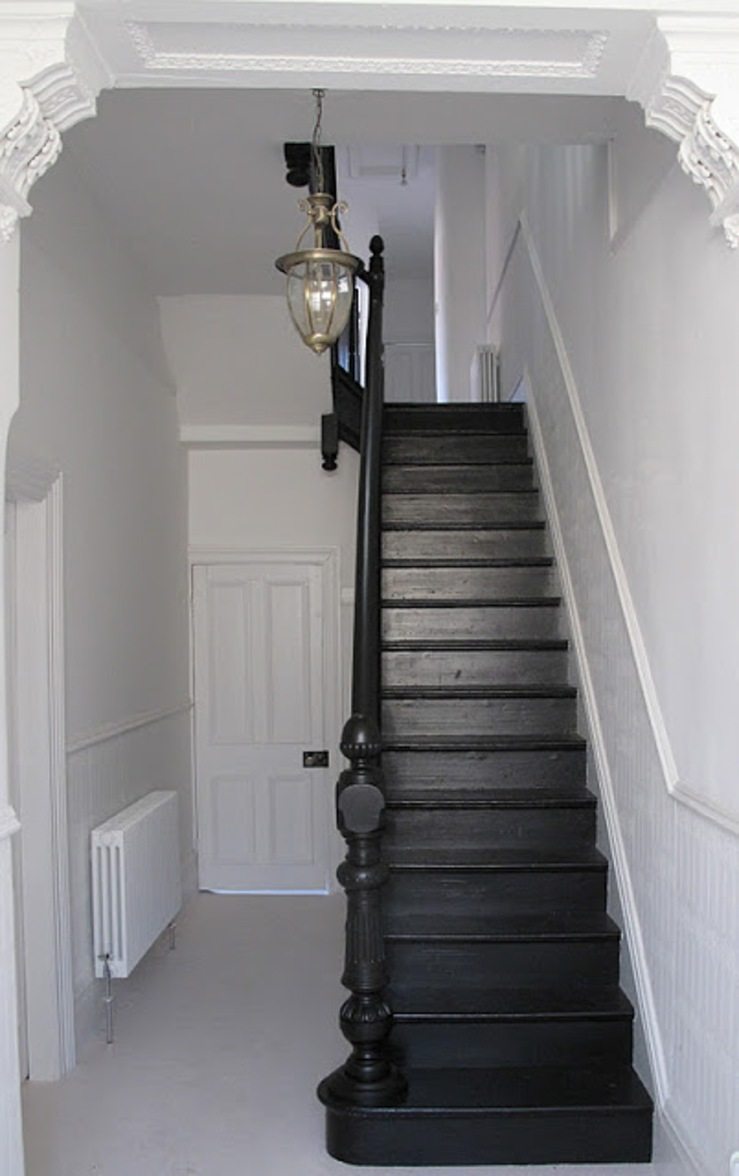 black painted stairs-2