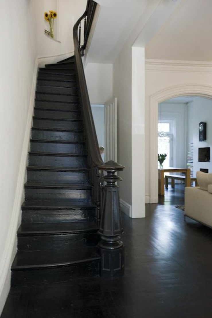 black painted stairs-4